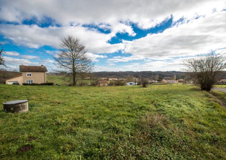 Terrain de 1200 m2 avec vue Pyrénées