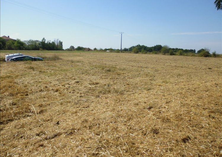 A 10km de St Sever, terrain constructible de 1514 m2~~Venez découvrir ce terrain constructible …