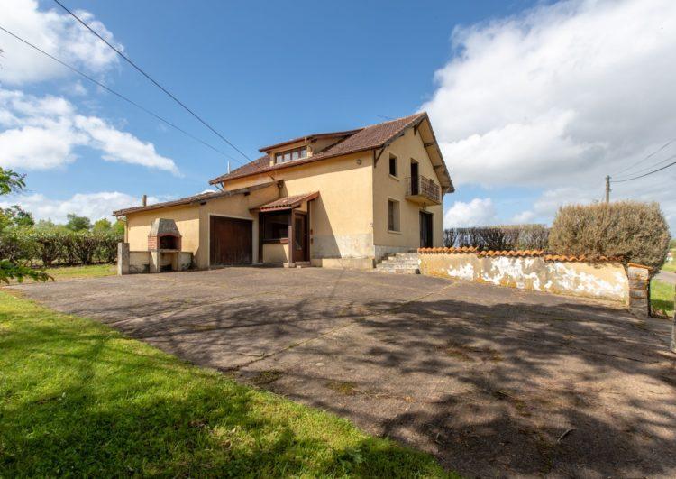 Maison traditionnelle proche 141 m2 HAGETMAU