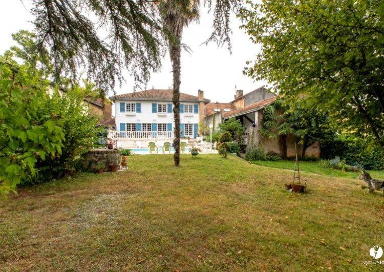 Maison de village de 340 m2