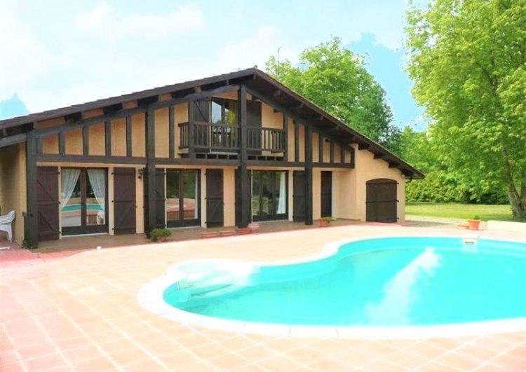 Authentique maison landaise avec piscine
