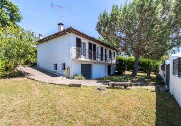 À acheter à Saint-Pierre-Du-Mont : villa de 105m2 avec 3 chambres