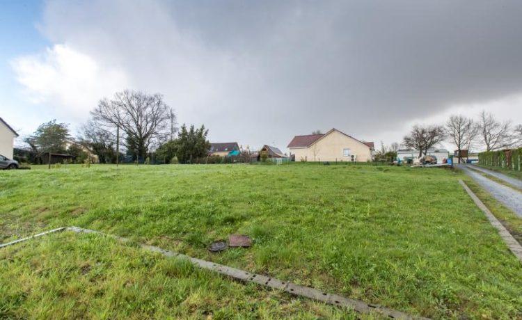 Arzacq-Arraziguet : terrain à acheter avec Agence de GEAUNE 2