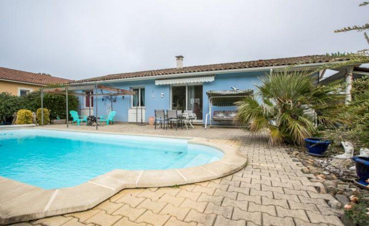Maison contemporaine de plain-pied avec piscine, Hagetmau. 1