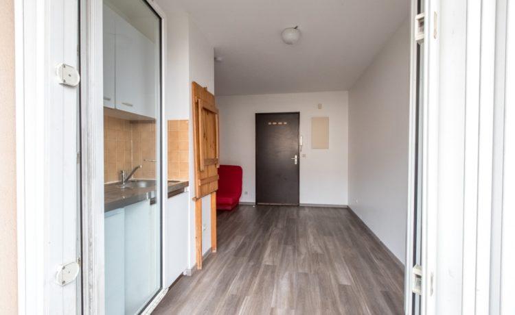Appartement T1 avec balcon superbe emplacement PAU. 3