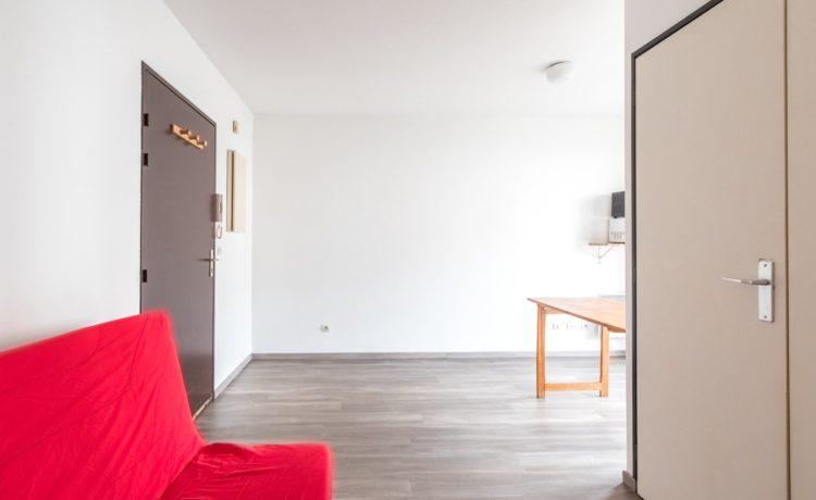 Appartement T1 avec balcon superbe emplacement PAU. 2