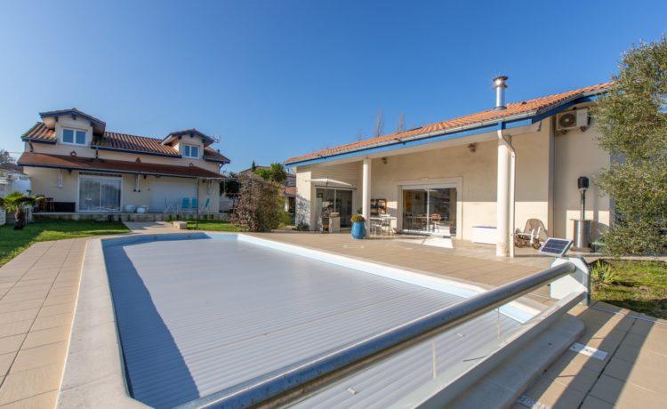 Maison + Gîte avec piscine 1