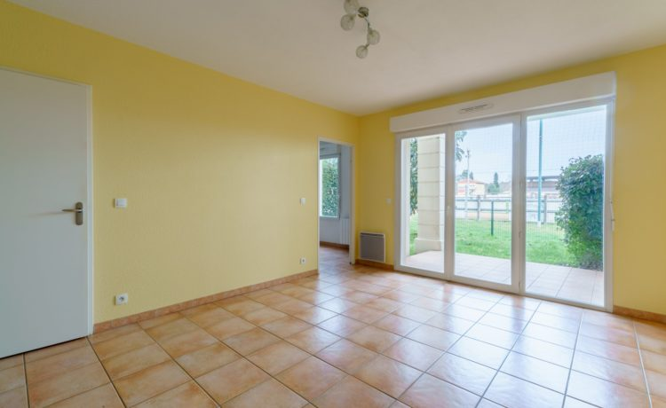 LOCATION APPARTEMENT T2 PARENTIS EN BORN 2