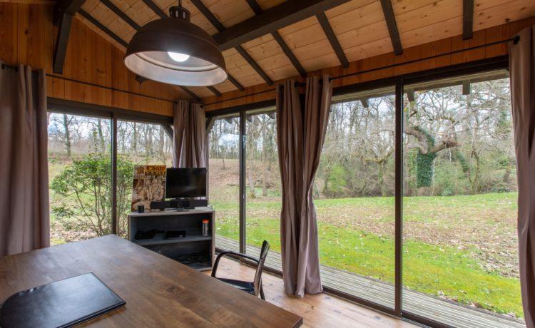 Maison typique landaise sur parc boisé
