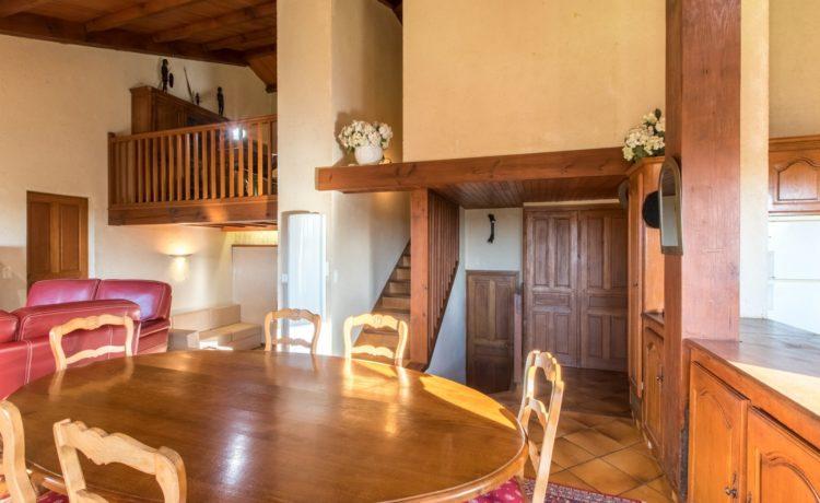 Maison 4 chambres avec 1,3Ha de terrain et  vue sur les Pyrénées 2