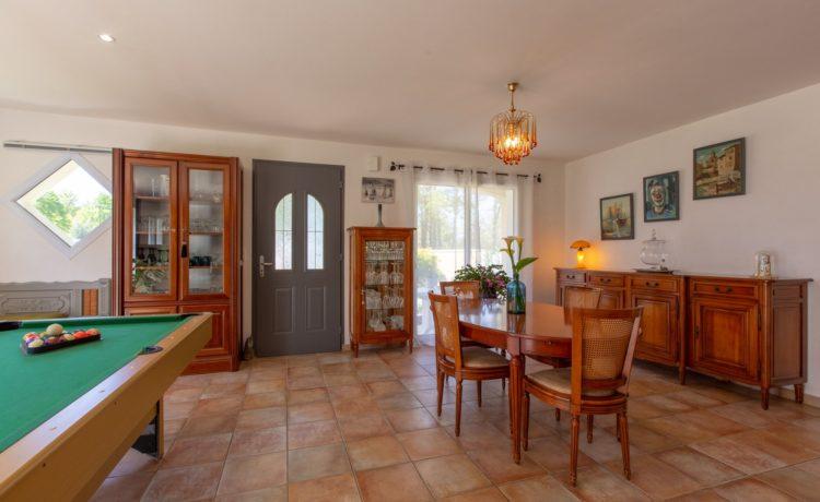 Maison - 5 pièces - 3 chambres + 1 bureau - piscine chauffée - terrain 1951 m2 4