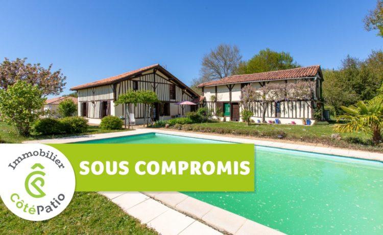 Corps de ferme de 1800 avec dépendance et piscine. 1