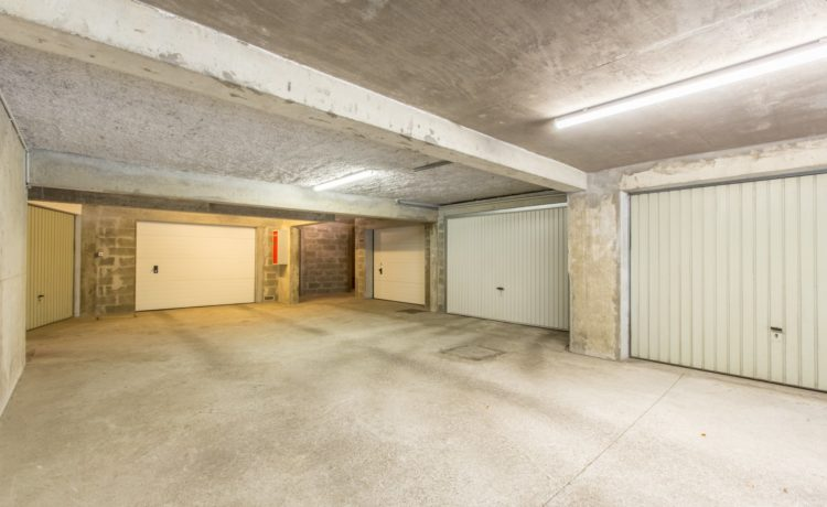 BEL APPARTEMENT T3 DE 69 m2  AVEC GARAGE