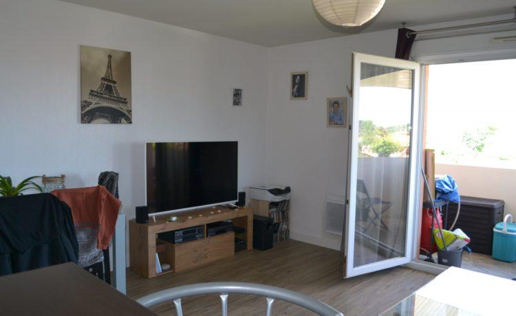 Appartement dernier étage avec balcon à vendre à Lons (64) 3
