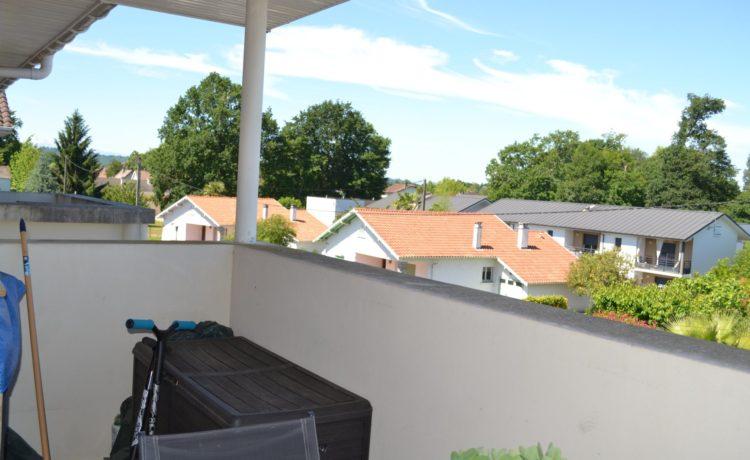 Appartement dernier étage avec balcon à vendre à Lons (64) 2